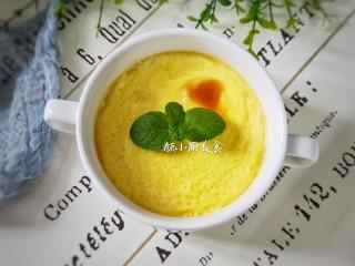 奶香鸡蛋布丁,这款简单奶香鸡蛋布丁做法特别简单,喜欢的不妨也试试吧!