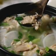 白切羊肉汤,汤浓味鲜,香而不腻,做法非常简单