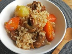 胡萝卜土豆鸡腿焖饭