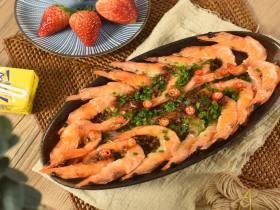 蒜蓉粉丝开背虾—简简单单一道硬菜上桌