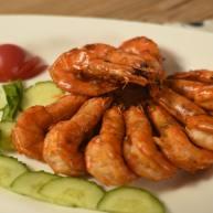蒜蓉油焖虾,一定要多准备一点虾,不然根本不够吃