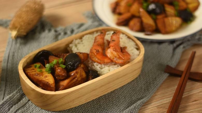 香菇油焖冬笋,这道浓油赤酱的素菜比荤菜都下饭