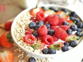 """如果每天的""""爱""""只有一小时,水果燕麦早餐"""