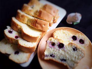 蓝莓玉枕蛋糕