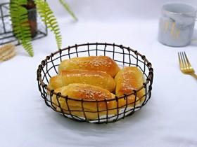 果仁面包卷