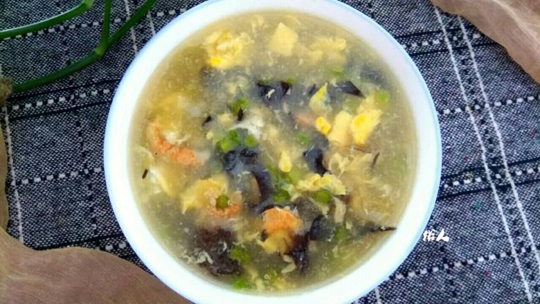 木耳蒜苔鸡蛋汤