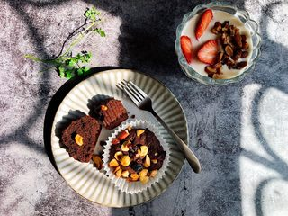 巧克力果仁小蛋糕,好香啊!