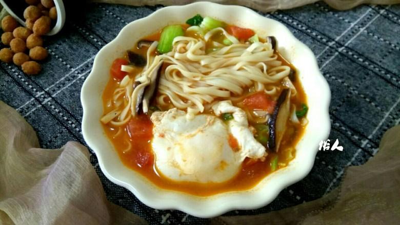 香菇油菜荷包蛋汤面