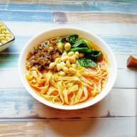 牛骨汤酸菜米线