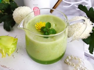 属于春天的果汁~羊角蜜香梨汁,来个近景