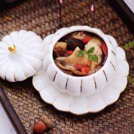 姬松茸板栗炖鸡汤