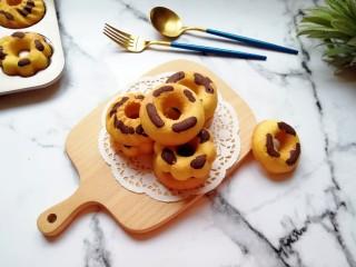 双色甜甜圈