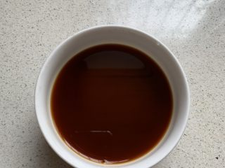 酱汁杏鲍菇,搅拌均匀备用
