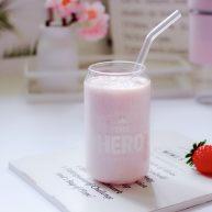牛奶草莓奶昔