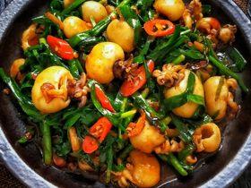 高营养低脂肪的墨鱼仔,和韭菜一起炒,常吃能缓解痛经