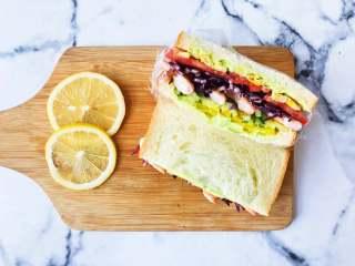 虾仁三明治,让味觉和视觉得到双重满足