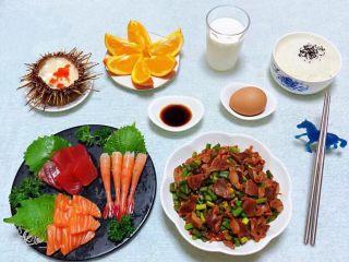 蒜苔辣炒鸡胗,一顿丰盛的早餐是会给你带来一天的好运👍