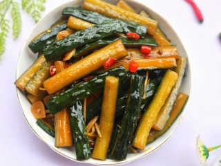 低脂爽脆开胃下饭的腌黄瓜条,超爽脆好吃!
