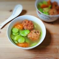 肉圆青蚕豆米汤