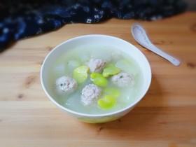 蚕豆冬瓜汆汤圆子