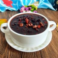 养生良方:黑芝麻黑豆核桃粥