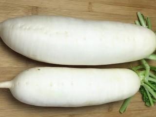 泡椒白萝卜,准备两根胖胖的白萝卜