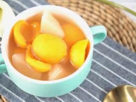 夏天喝一碗雪梨枇杷甜汤,清新解暑又美容,让你清凉一夏!