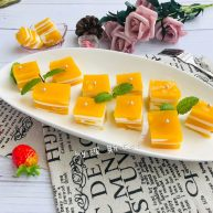 芒果椰奶冻千层糕