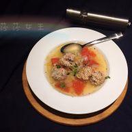 番茄洋葱肉丸子汤