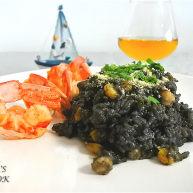 煎南美虾球配意式墨汁海鲜烩饭