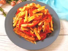 番茄红椒炒鸡腿菇豆腐