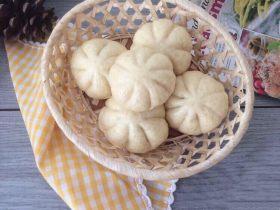 蒜瓣造型豆沙包