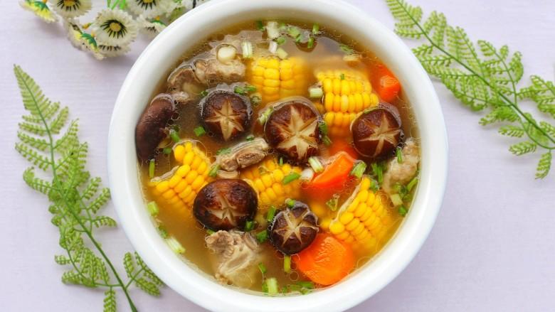 香菇玉米胡萝卜排骨汤