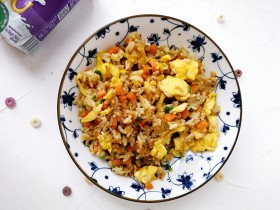 胡萝卜虾皮葱花蛋炒饭