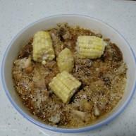 糯米蒸鸡翅根、排骨、玉米