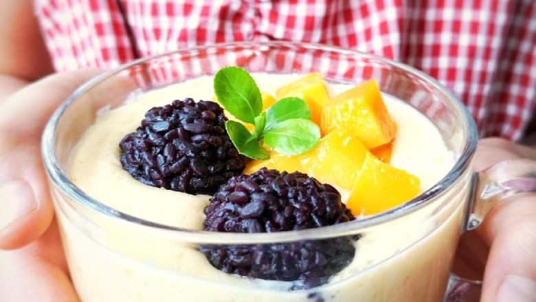 芒果黑糯米甜甜——夏日里的清凉甜意