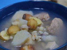 清热解毒祛湿排毒茯苓丁淮山莲子薏米汤