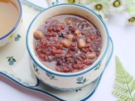 奶香红豆薏米杂粮粥