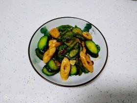 尖椒炒黄瓜、素肠