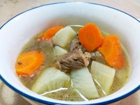 秋季进补:牛肉萝卜汤