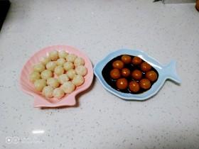 两种口味的糯米丸子