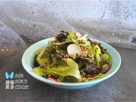 藜麦蔬菜沙拉,清口解腻平衡膳食,无沙拉酱版的健康沙拉
