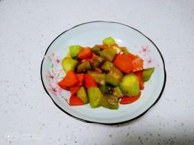尖椒炒胡萝卜、丝瓜