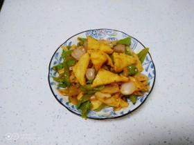 洋葱炒青椒、千页豆腐