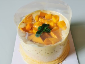 杨 枝 甘 露 爆 浆 蛋 糕