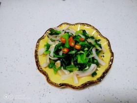 尖椒、洋葱炒小青菜