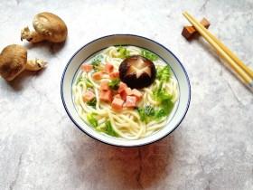 冬日暖心菜  香菇鸡汤面