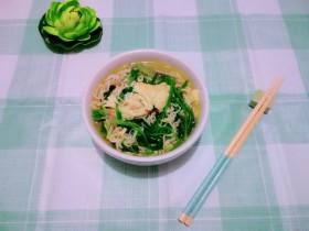 #冬日暖心菜#   一碗热汤面