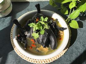 冬日暖心菜 乌骨鸡汤