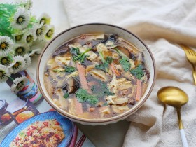 驱寒暖胃的酸辣汤